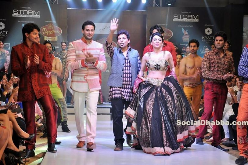 Lovely show .... Show stoppers Syed Zulfi Anaida Adiana, Shahwar Ali